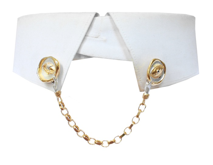 Awakened Eye Collar Pins by Louise Androlia and Jessica de Lotz. Click to read more!
