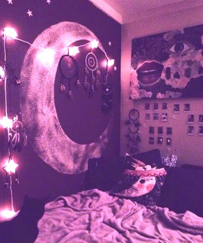 cancer new moon bedroom journaling on The Numinous